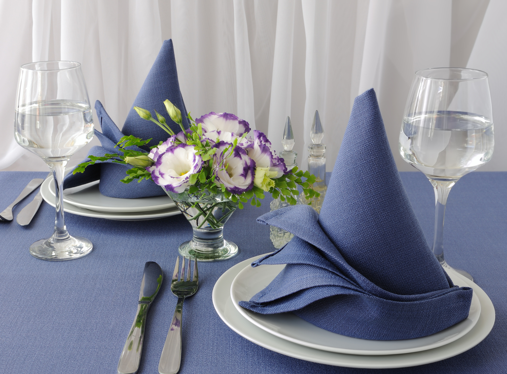 4 Napkin Folding Ideas To Spruce Up Your Restaurant S Tables